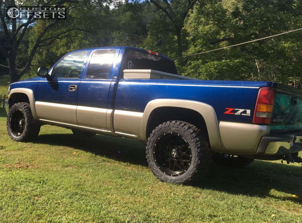 """2002 Chevrolet Silverado 1500 Aggressive > 1"""" outside fender on 20x10 -19 offset Hostile Sprocket and 33""""x12.5"""" Federal Couragia MT on Leveling Kit - Custom Offsets Gallery"""