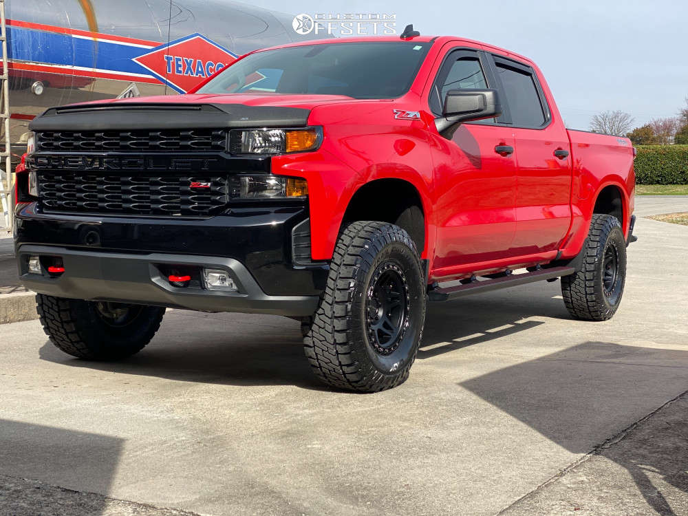 """2020 Chevrolet Silverado 1500 Aggressive > 1"""" outside fender on 17x9 -12 offset Method MR312 and 35""""x12.5"""" Dick Cepek Trail Country EXP on Leveling Kit - Custom Offsets Gallery"""