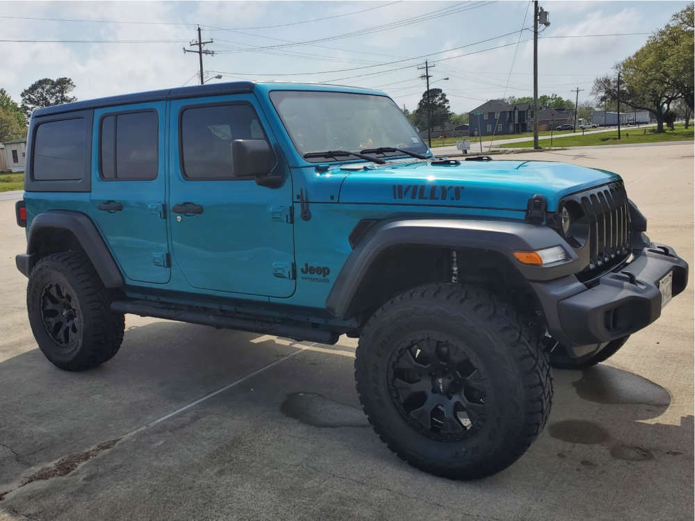 """2020 Jeep Wrangler Aggressive > 1"""" outside fender on 18x9 -12 offset Helo HE878 & 35""""x12.5"""" Toyo Tires Open Country R/T on Suspension Lift 3.5"""" - Custom Offsets Gallery"""