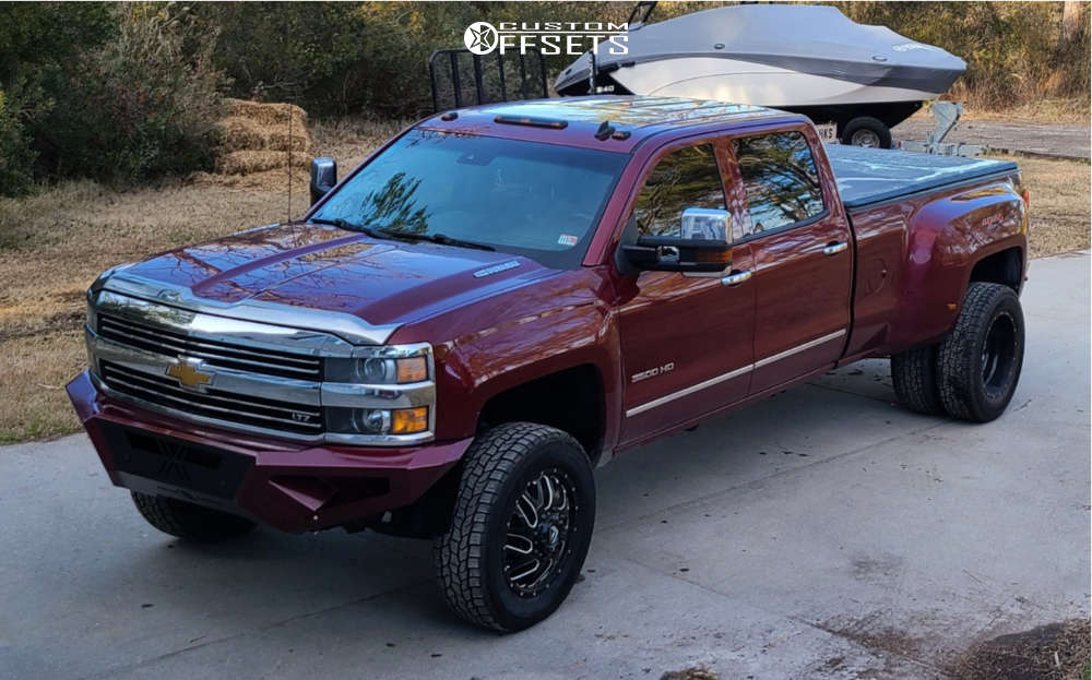 """2016 Chevrolet Silverado 3500 HD Aggressive > 1"""" outside fender on 20x8 1 offset Fuel Titan & 275/65 Cooper Discoverer A/t3 on Leveling Kit - Custom Offsets Gallery"""
