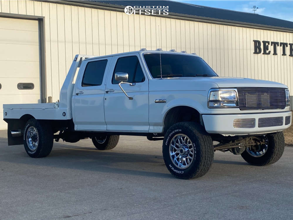 """1995 Ford F-350 Aggressive > 1"""" outside fender on 18x9 -12 offset Ultra Hunter and 33""""x9.5"""" Cooper Discoverer At3 on Leveling Kit - Custom Offsets Gallery"""