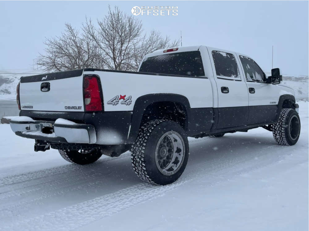 """2005 Chevrolet Silverado 1500 HD Aggressive > 1"""" outside fender on 20x12 -49 offset Klutch Offroad Kt02 & 33""""x12.5"""" Suretrac Wide Climber A/T II on Leveling Kit - Custom Offsets Gallery"""