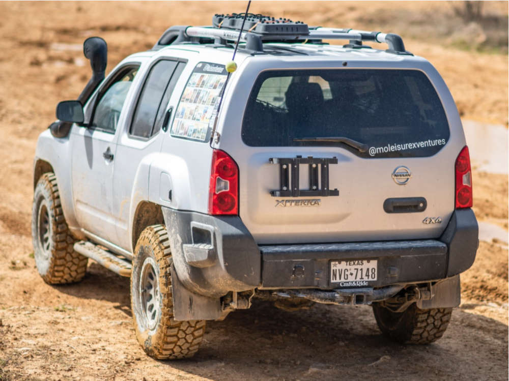 """2009 Nissan Xterra Nearly Flush on 16x8 20 offset Fuel Vector and 33""""x11.5"""" Cooper Evolution Mt on Leveling Kit - Custom Offsets Gallery"""