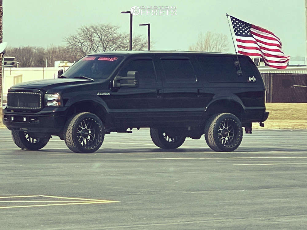 """2004 Ford Excursion Aggressive > 1"""" outside fender on 22x12 -44 offset Moto Metal Mo986 & 33""""x12.5"""" Venom Power Terra Hunter X/t on Leveling Kit - Custom Offsets Gallery"""