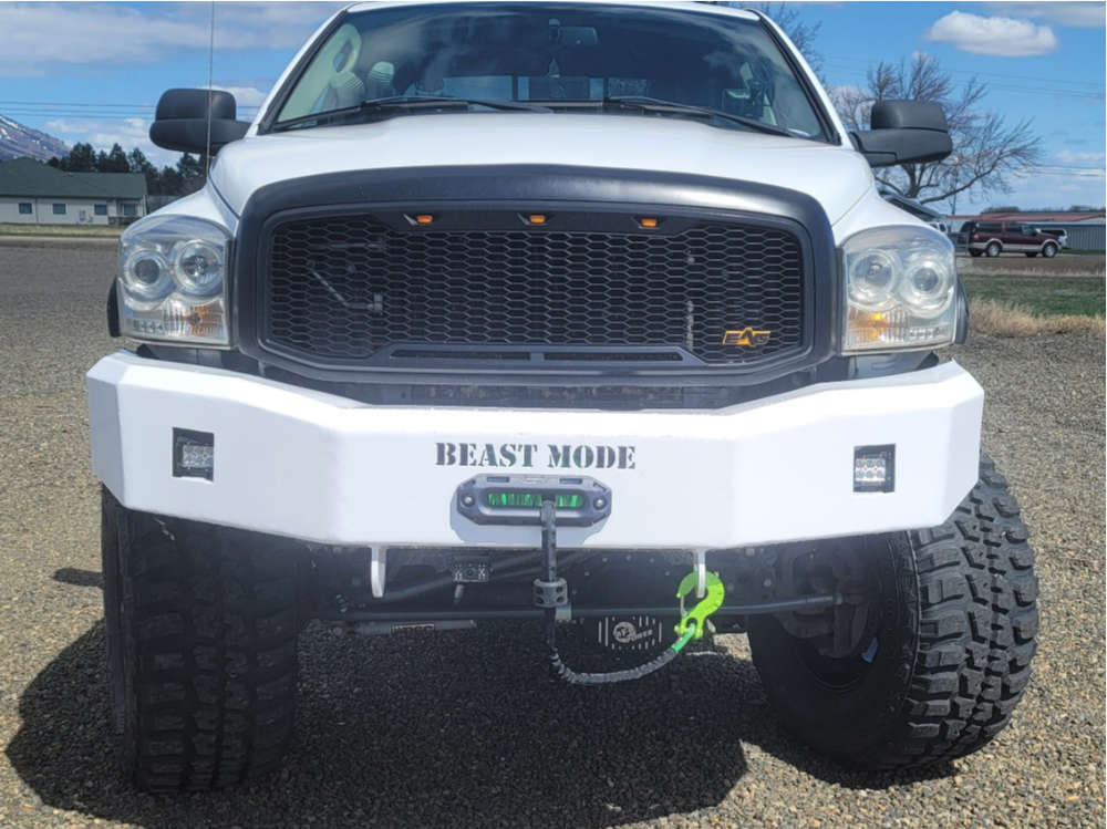 """2007 Dodge Ram 3500 Aggressive > 1"""" outside fender on 20x12 -44 offset Helo HE916 and 40""""x15.5"""" Federal Couragia MT on Suspension Lift 8"""" - Custom Offsets Gallery"""