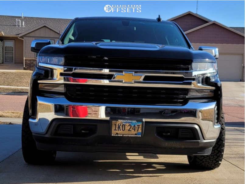 "2019 Chevrolet Silverado 1500 Super Aggressive 3""-5"" on 20x10 -25 offset Remington Canyon and 33""x12.5"" Venom Power Terra Hunter X/t on Leveling Kit - Custom Offsets Gallery"