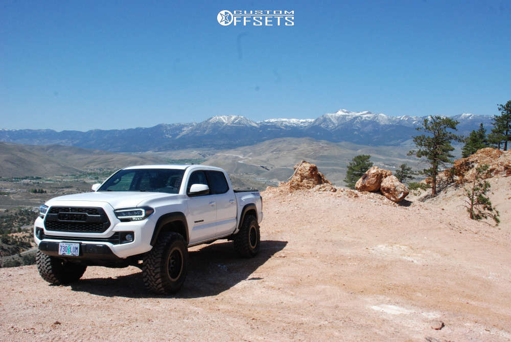 """2016 Toyota Tacoma Aggressive > 1"""" outside fender on 17x9.5 -38 offset Stealth Custom Series Ray 10 and 35""""x12.5"""" Toyo Open Country Mt on Suspension Lift 3"""" - Custom Offsets Gallery"""