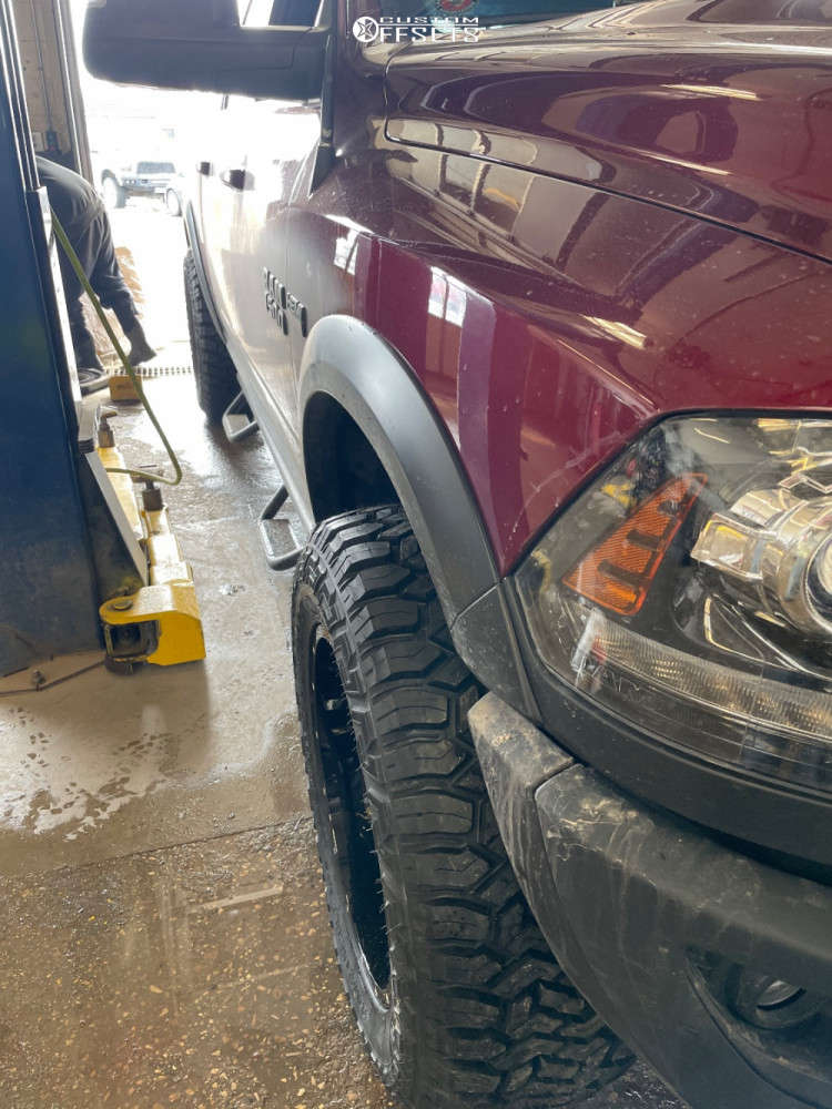 """2018 Ram 1500 Aggressive > 1"""" outside fender on 20x10 -19 offset Hardrock Destroyer and 35""""x12.5"""" Fury Offroad Country Hunter Rt on Leveling Kit - Custom Offsets Gallery"""