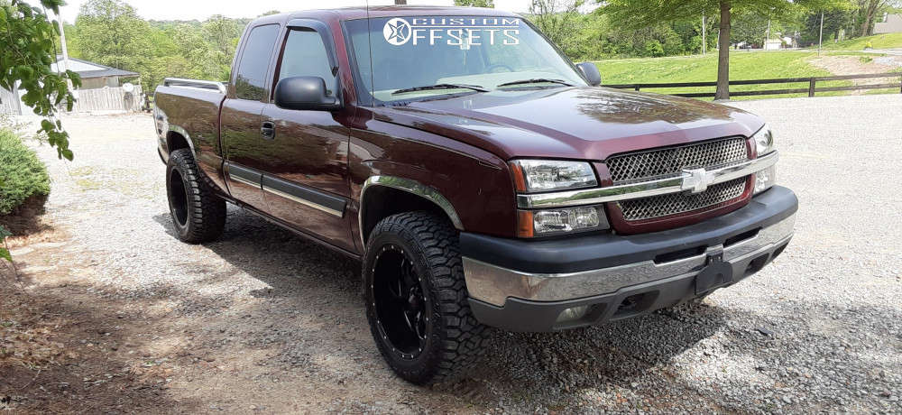 """2003 Chevrolet Silverado 1500 Aggressive > 1"""" outside fender on 20x10 -24.638 offset Ultra Hunter and 32""""x11.5"""" Atturo Country Hunter Rt on Stock Suspension - Custom Offsets Gallery"""