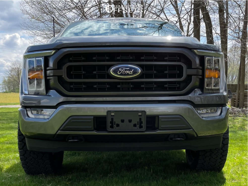 """2021 Ford F-150 Aggressive > 1"""" outside fender on 20x9 18 offset XD XD820 & 33""""x12.5"""" General Grabber Atx on Leveling Kit - Custom Offsets Gallery"""