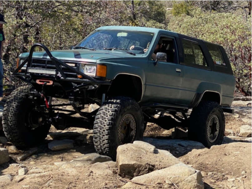 "1986 Toyota 4Runner Aggressive > 1"" outside fender on 17x8 -12 offset Pro Comp Custom & 37""x12.5"" Kanati Mud Hog on Suspension Lift 4"" - Custom Offsets Gallery"