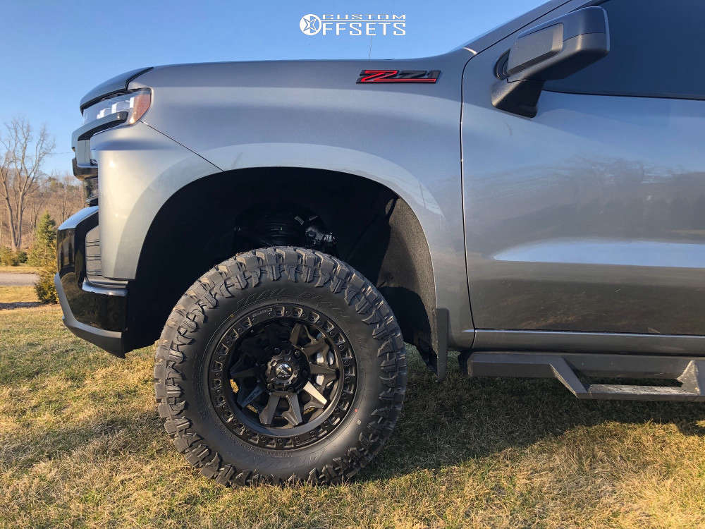 """2020 Chevrolet Silverado 1500 Aggressive > 1"""" outside fender on 17x9 -12 offset Fuel Covert and 33""""x12.5"""" Atturo Trail Blade Mt on Suspension Lift 4"""" - Custom Offsets Gallery"""