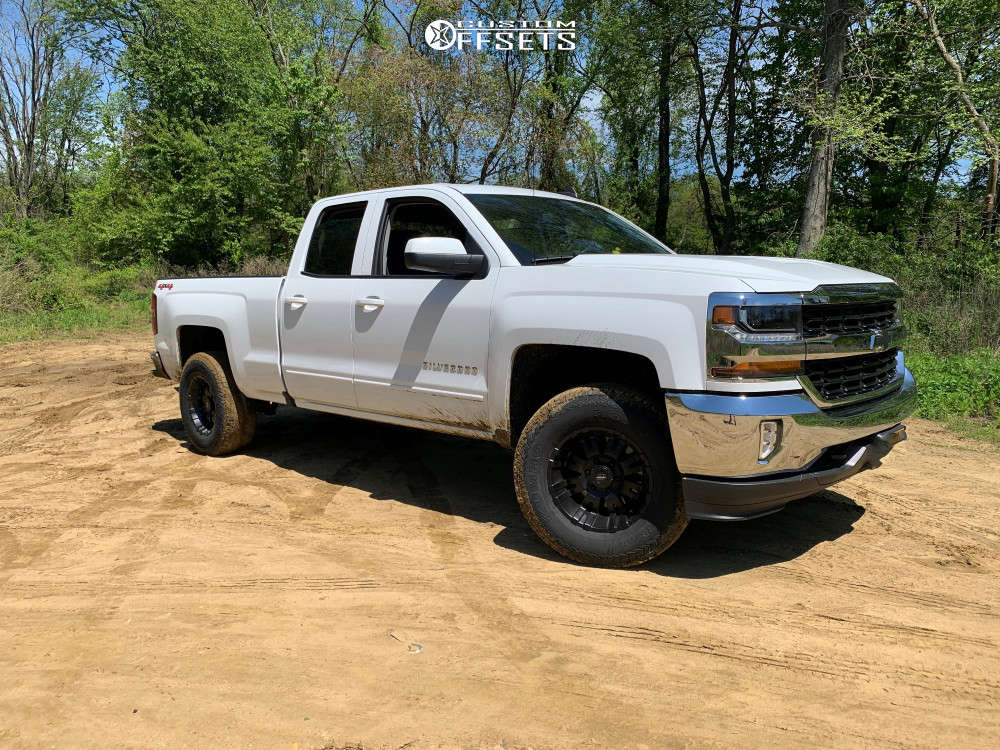 """2016 Chevrolet Silverado 1500 Slightly Aggressive on 17x9 -6 offset Pro Comp 01 and 33""""x12.5"""" Kumho Road Venture At51 on Leveling Kit - Custom Offsets Gallery"""