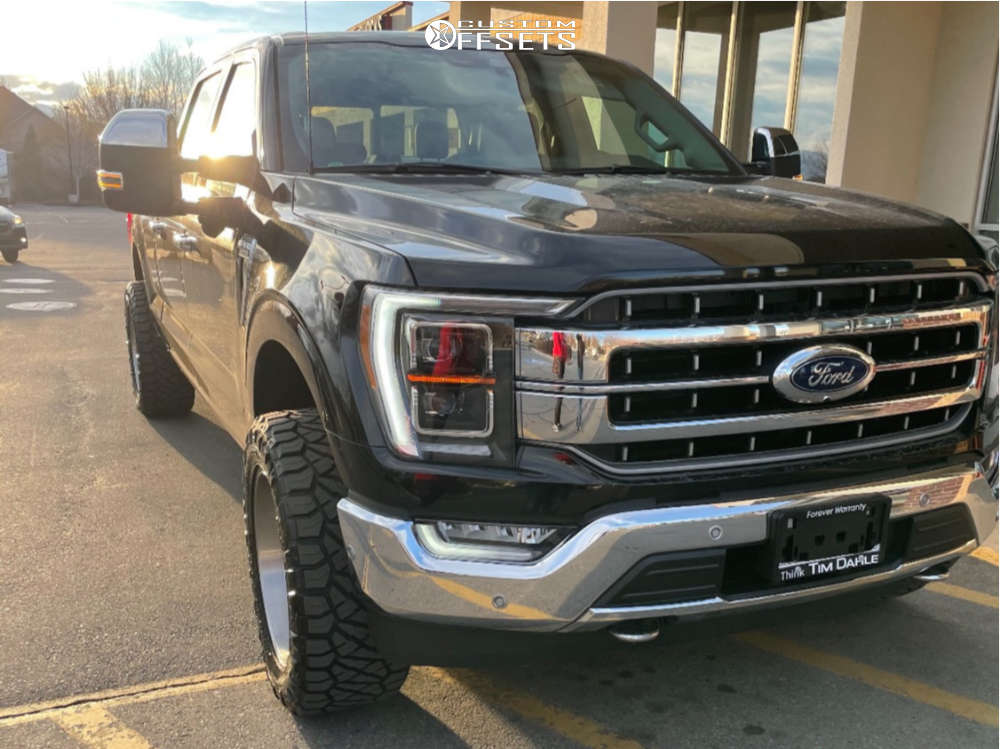 """2021 Ford F-150 Aggressive > 1"""" outside fender on 20x10 -18 offset Fuel Triton & 33""""x12.5"""" Nitto Ridge Grappler on Leveling Kit - Custom Offsets Gallery"""