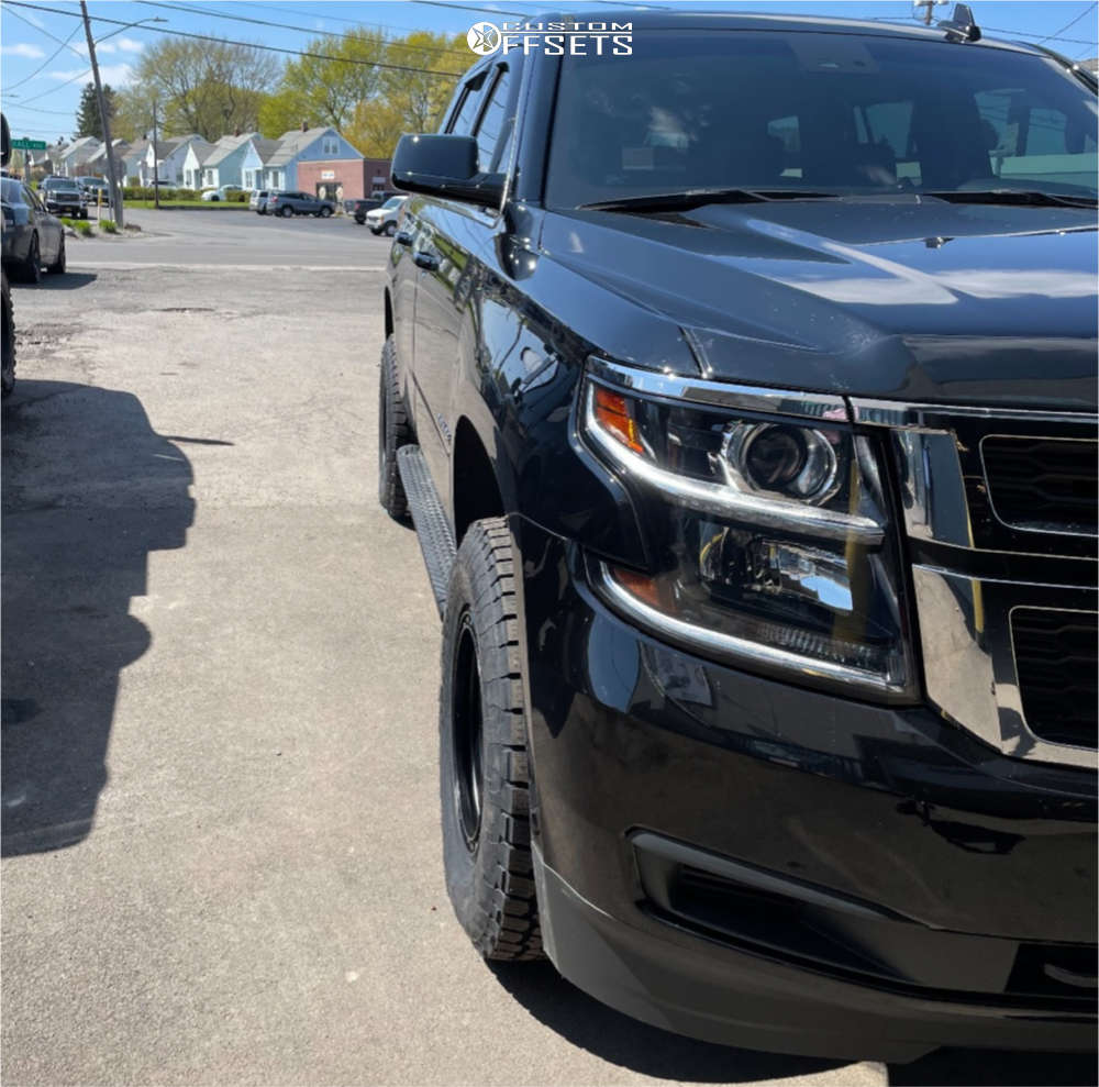 """2019 Chevrolet Tahoe Slightly Aggressive on 17x8.5 0 offset Method Vex and 32""""x10.5"""" Toyo Tires Open Country A/T III on Leveling Kit - Custom Offsets Gallery"""