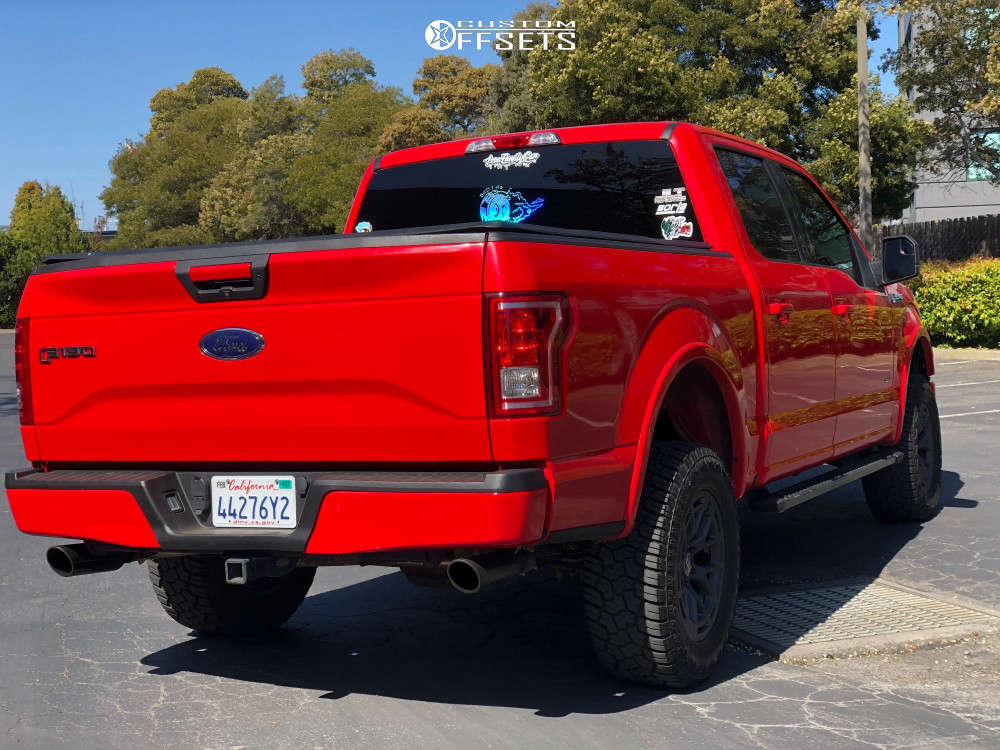 """2016 Ford F-150 Slightly Aggressive on 18x9 18 offset RTR Tech 6 and 33""""x12.5"""" Yokohama Geolandar A/t-s on Leveling Kit - Custom Offsets Gallery"""