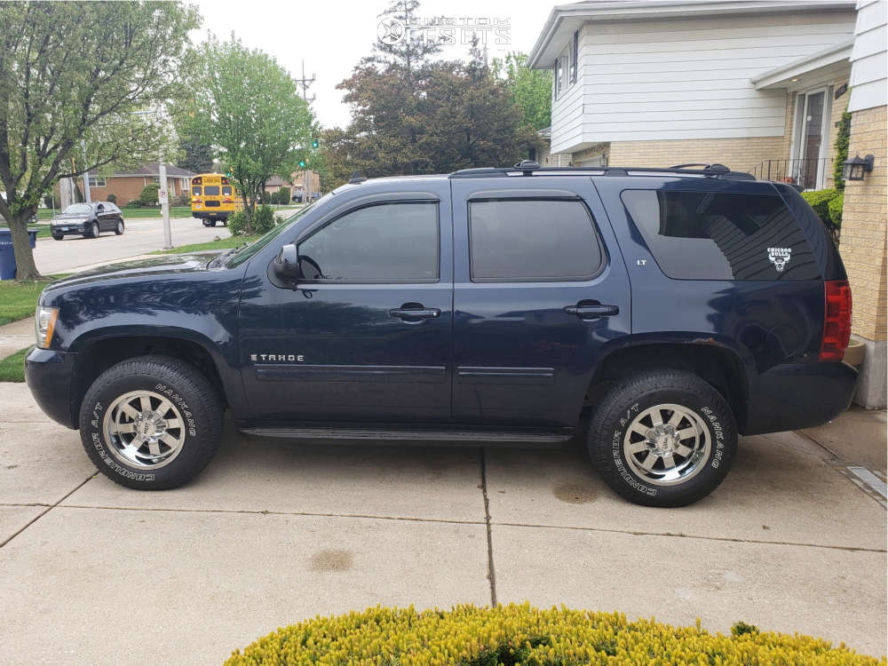 """2009 Chevrolet Tahoe Aggressive > 1"""" outside fender on 17x10 -24 offset Moto Metal MO962 and 265/70 Nankang Conqueror At on Stock Suspension - Custom Offsets Gallery"""
