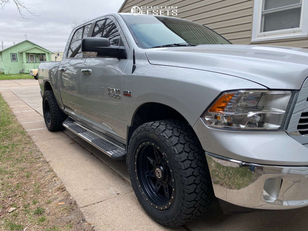 """2014 Ram 1500 Aggressive > 1"""" outside fender on 20x10 -18 offset Anthem Off-Road Rogue and 33""""x12.5"""" General Grabber Atx on Leveling Kit - Custom Offsets Gallery"""