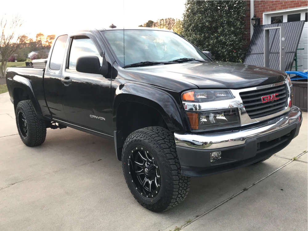 """2005 GMC Canyon Aggressive > 1"""" outside fender on 17x9 -12 offset Fuel Vandal and 265/65 Falken Wildpeak A/t on Suspension Lift 3.5"""" - Custom Offsets Gallery"""