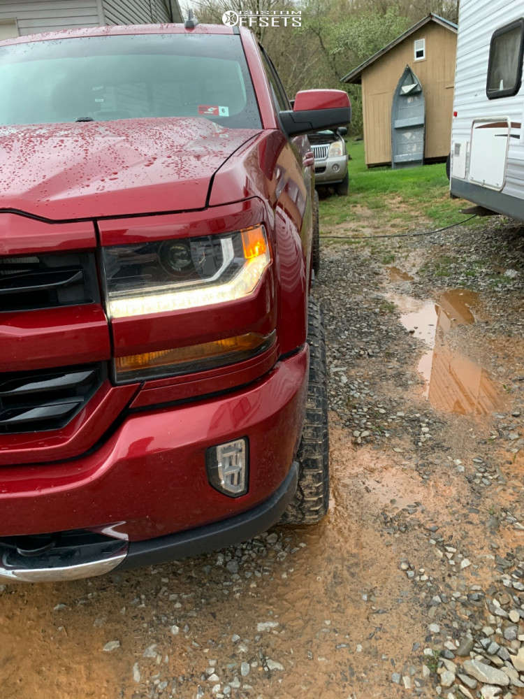 """2018 Chevrolet Silverado 1500 Aggressive > 1"""" outside fender on 20x10 -25 offset ARKON OFF-ROAD Caesar and 275/60 Nitto Ridge Grappler on Leveling Kit - Custom Offsets Gallery"""