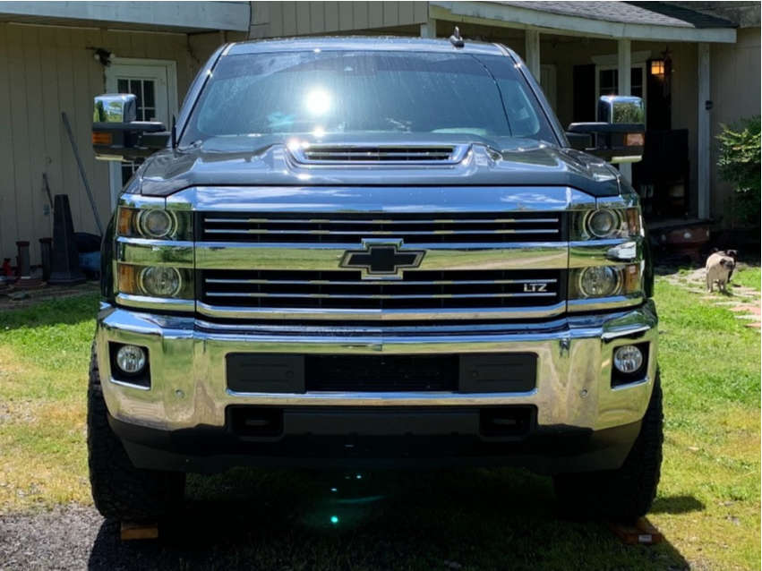 """2017 Chevrolet Silverado 2500 HD Aggressive > 1"""" outside fender on 20x10 -25 offset ARKON OFF-ROAD Cleopatra and 295/60 Nitto Ridge Grapplers on Leveling Kit - Custom Offsets Gallery"""
