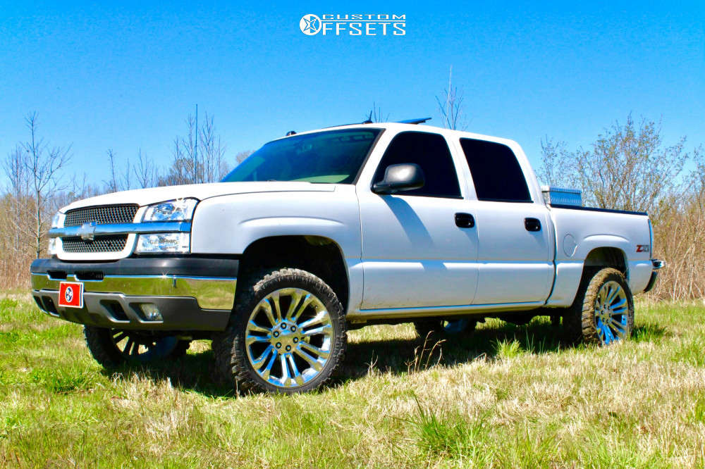 """2005 Chevrolet Silverado 1500 Aggressive > 1"""" outside fender on 22x9 0 offset 4Play OE Wheels Cv43 and 33""""x12.5"""" Fury Offroad Country Hunter M/t on Air Suspension - Custom Offsets Gallery"""