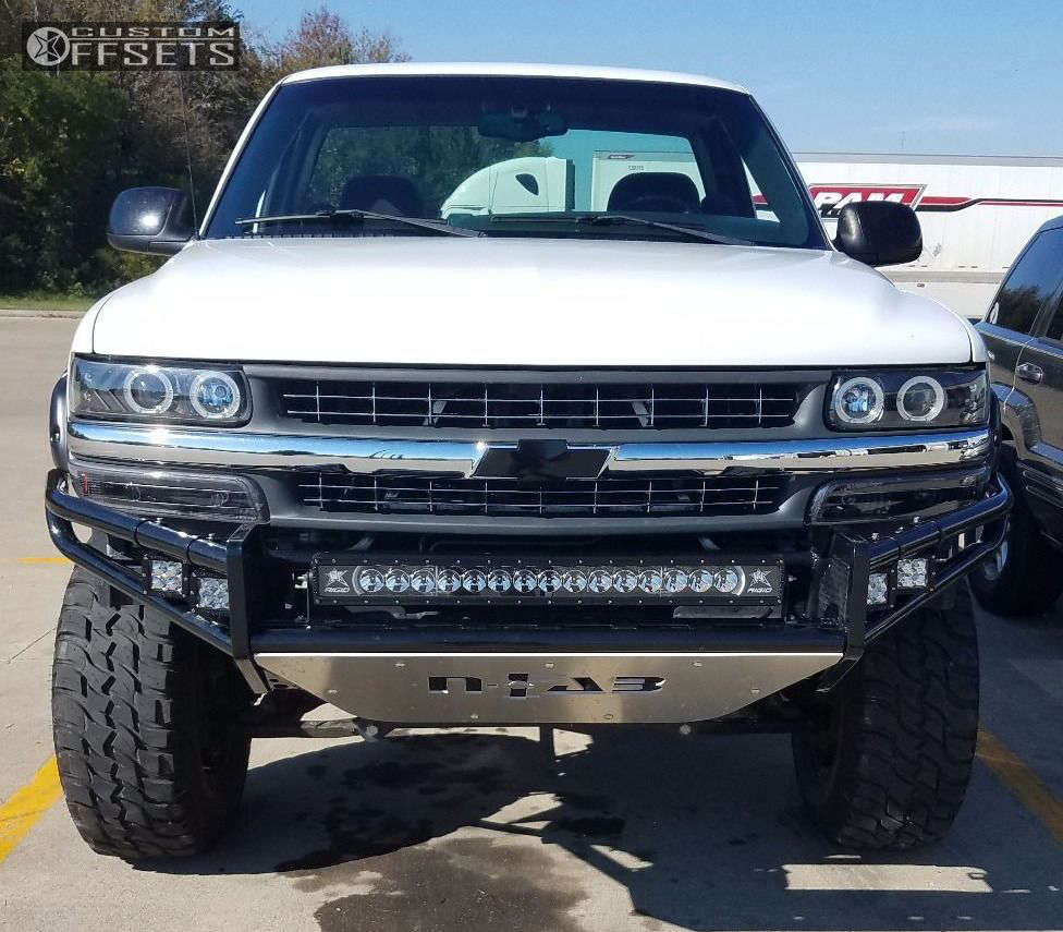 """2001 Chevrolet Silverado 1500 Nearly Flush on 17x9 0 offset Mickey Thompson Sidebiter II & 285/70 Hercules Trail Digger MT on Suspension Lift 4"""" - Custom Offsets Gallery"""