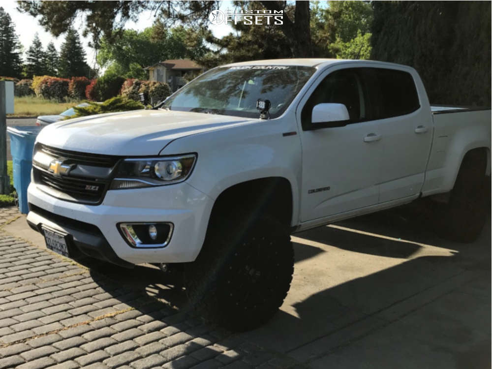 """2016 Chevrolet Colorado Aggressive > 1"""" outside fender on 18x9.5 18 offset XD Xd820 and 33""""x12.5"""" Venom Power Terra Hunter X/t on Suspension Lift 6"""" - Custom Offsets Gallery"""