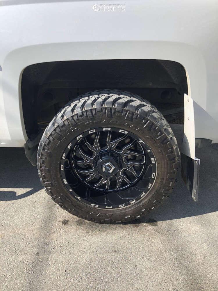 "2017 Chevrolet Silverado 1500 Aggressive > 1"" outside fender on 20x10 -25 offset TIS 544bm and 33""x12.5"" Nitto Trail Grappler on Leveling Kit - Custom Offsets Gallery"