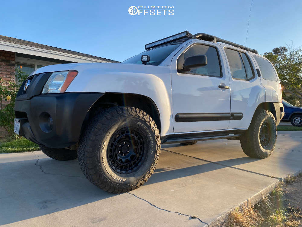 """2007 Nissan Xterra Aggressive > 1"""" outside fender on 16x8 0 offset Black Rhino Chamber and 285/75 BFGoodrich All Terrain T/a Ko on Suspension Lift 3"""" - Custom Offsets Gallery"""