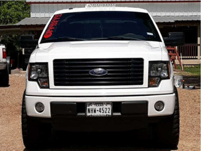"""2014 Ford F-150 Aggressive > 1"""" outside fender on 20x9 18 offset American Outlaw Ranger and 35""""x12.5"""" Fuel Mud Gripper on Leveling Kit - Custom Offsets Gallery"""