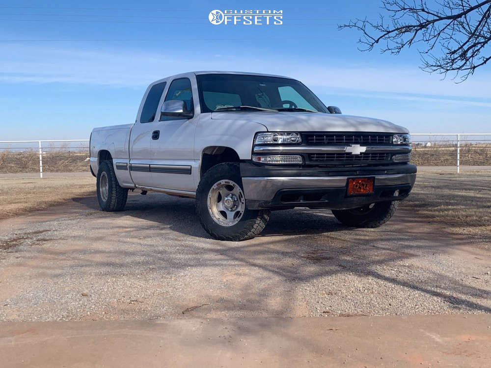 """2001 Chevrolet Silverado 1500 Aggressive > 1"""" outside fender on 16x10 0 offset American Racing Unknown & 30""""x10.5"""" Thunderer Ranger A/T on Leveling Kit - Custom Offsets Gallery"""