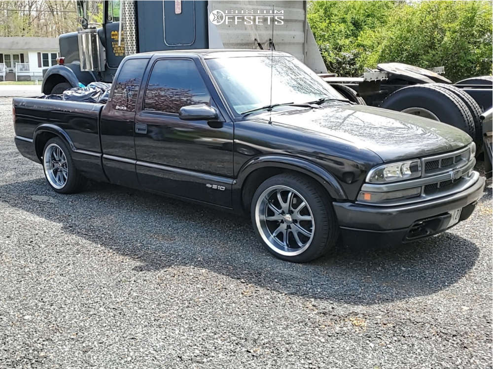 """1999 Chevrolet S10 Aggressive > 1"""" outside fender on 18x8 0 offset Legend Series Vision 143 & 225/40 Hankook Ventus V2 Concept 2 on Lowered 3F / 5R - Custom Offsets Gallery"""
