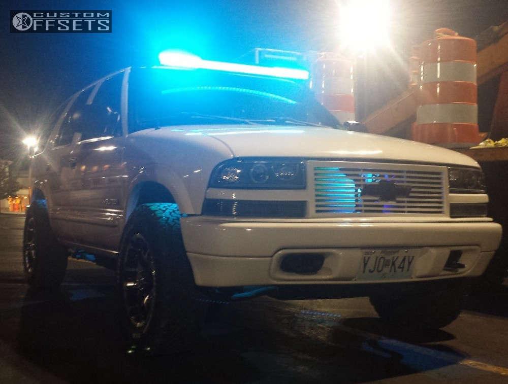 "2004 Chevrolet Blazer Aggressive > 1"" outside fender on 16x8 0 offset Gear Off-Road Double Pump & 245/70 BFGoodrich All Terrain TA KO2 on Stock Suspension - Custom Offsets Gallery"