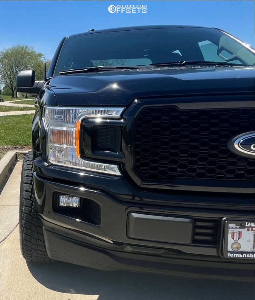 """2018 Ford F-150 Aggressive > 1"""" outside fender on 20x10 -25 offset Ultra Hunter and 275/60 Nitto Terra Grappler G2 on Leveling Kit - Custom Offsets Gallery"""
