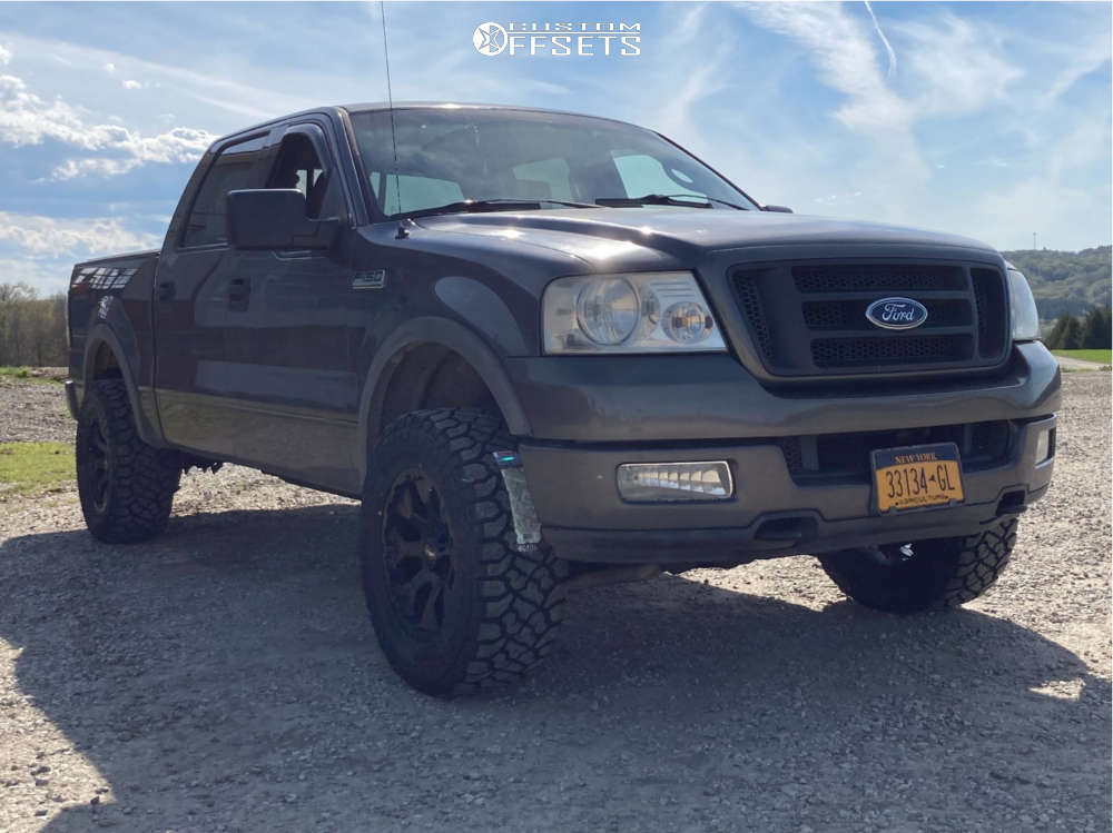 """2004 Ford F-150 Aggressive > 1"""" outside fender on 18x9 -12 offset Helo He791 and 33""""x12.5"""" Kenda Klever R/t on Stock Suspension - Custom Offsets Gallery"""