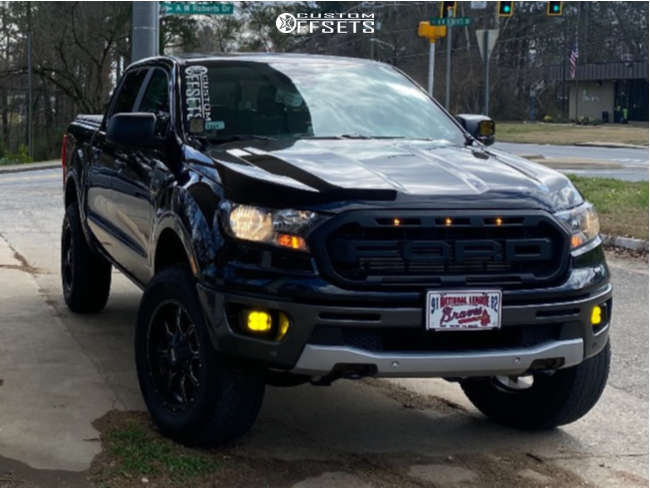 """2019 Ford Ranger Aggressive > 1"""" outside fender on 18x9 18 offset Moto Metal Mo970 and 32""""x10.5"""" Atturo Trail Blade At on Leveling Kit - Custom Offsets Gallery"""