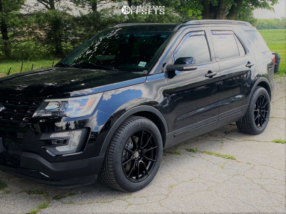 2017 Ford Explorer Nearly Flush on 20x10 40 offset OE Performance 193 and 295/45 Michelin Pilot Sport A/s 3 Plus on Stock Suspension - Custom Offsets Gallery