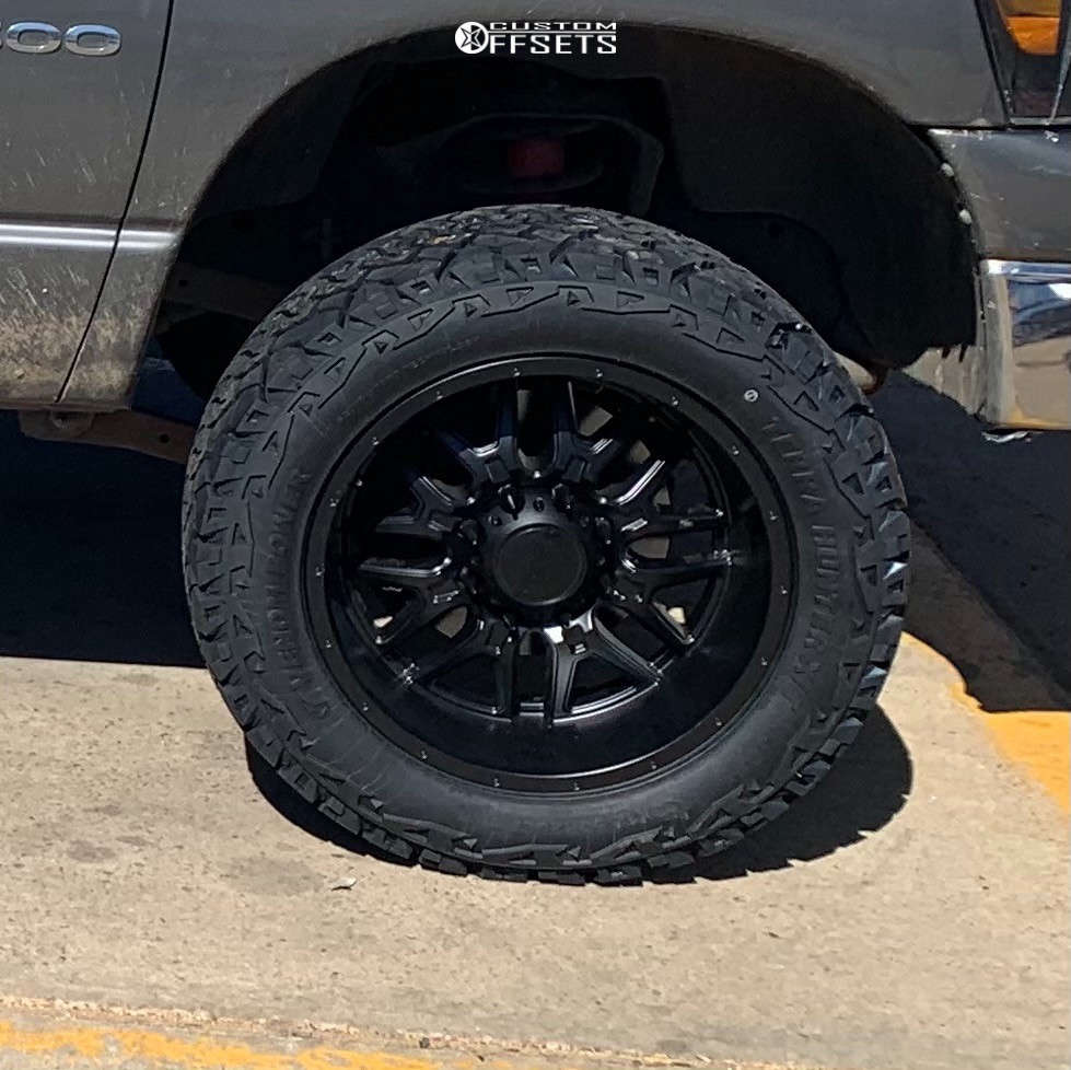 "2006 Dodge Ram 3500 Super Aggressive 3""-5"" on 20x10 -25 offset Ultra Hunter and 33""x12.5"" Venom Power Terra Hunter X/T on Leveling Kit - Custom Offsets Gallery"