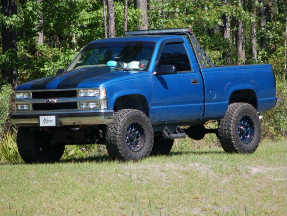 "1997 Chevrolet K1500 Aggressive > 1"" outside fender on 17x9 -12 offset XD Grenade & 35""x12.5"" Nitto Trail Grappler on Suspension Lift 6"" - Custom Offsets Gallery"