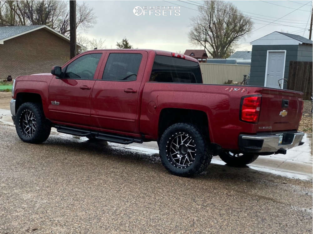 """2018 Chevrolet Silverado 1500 Aggressive > 1"""" outside fender on 20x9 0 offset Moto Metal Mo985 and 33""""x12.5"""" Toyo Tires Open Country A/t Ill on Leveling Kit - Custom Offsets Gallery"""