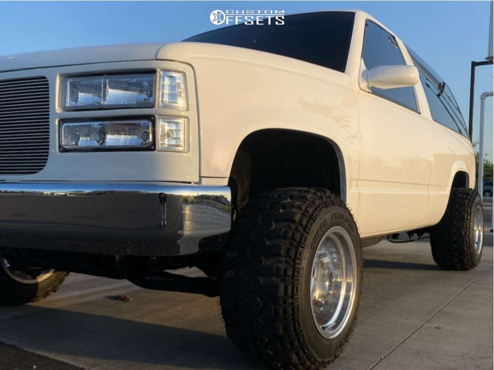 "1992 Chevrolet Blazer Super Aggressive 3""-5"" on 15x12 -71 offset Mickey Thompson Classic Iii & 29""x10.5"" Interco Super Swamper on Stock Suspension - Custom Offsets Gallery"