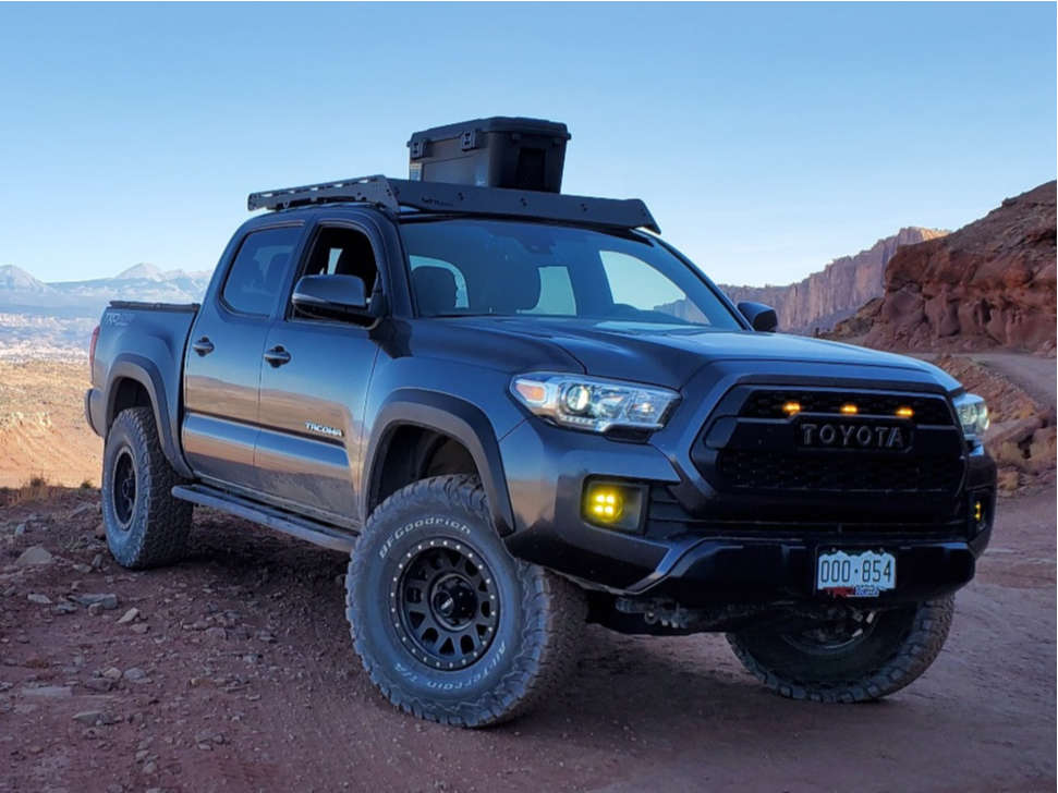 """2018 Toyota Tacoma Aggressive > 1"""" outside fender on 16x8 0 offset Method Grid and 33""""x11.5"""" BFGoodrich All-terrain Ta Ko2 on Suspension Lift 2.5"""" - Custom Offsets Gallery"""