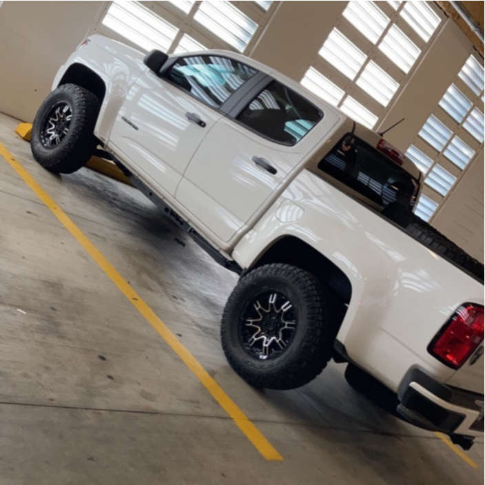 """2020 Chevrolet Colorado Aggressive > 1"""" outside fender on 17x8.5 10 offset Level 8 Slingshot and 33""""x11.5"""" Nitto Ridge Grappler on Air Suspension - Custom Offsets Gallery"""