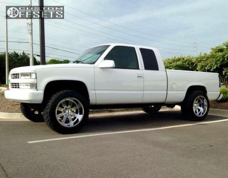 """1998 Chevrolet K1500 Aggressive > 1"""" outside fender on 20x12 -44 offset Moto Metal MO962 & 33""""x12.5"""" Toyo Tires Open Country M/T on Leveling Kit - Custom Offsets Gallery"""