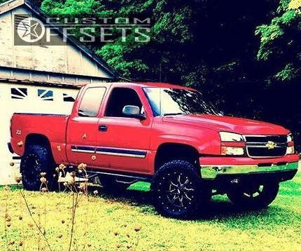 """2006 Chevrolet Silverado 1500 Aggressive > 1"""" outside fender on 20x12 -44 offset Moto Metal Mo970 & 35""""x12.5"""" Federal Couragia MT on Suspension Lift 6.5"""" - Custom Offsets Gallery"""