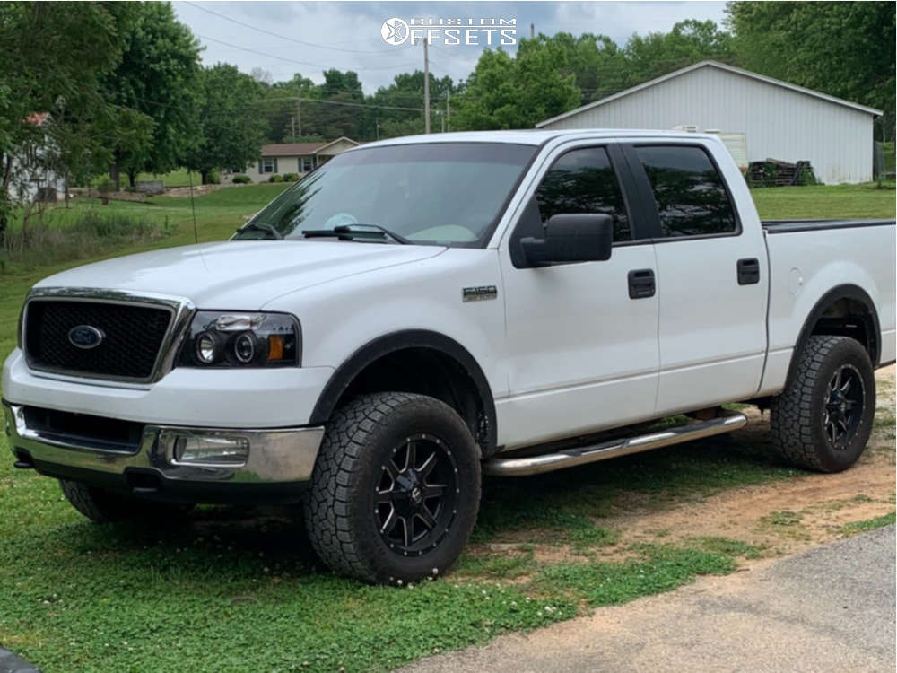 """2005 Ford F-150 Aggressive > 1"""" outside fender on 18x9.5 0 offset Fuel Maverick & 29""""x9.5"""" Toyo Tires Open Country Rt on Leveling Kit - Custom Offsets Gallery"""