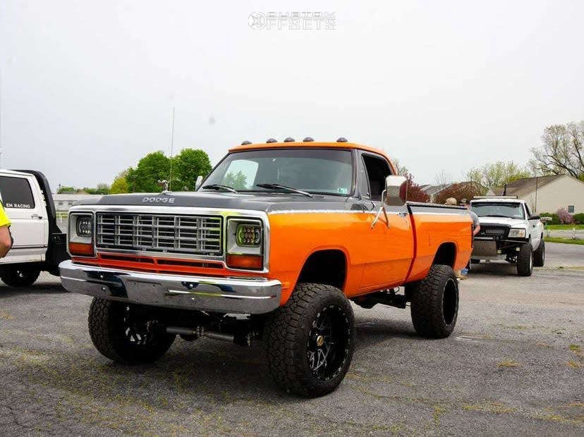 """1984 Dodge W150 Aggressive > 1"""" outside fender on 20x12 -44 offset Tis 544MB and 33""""x12.5"""" Toyo Tires Open Country A/t Iii on Suspension Lift 6"""" - Custom Offsets Gallery"""