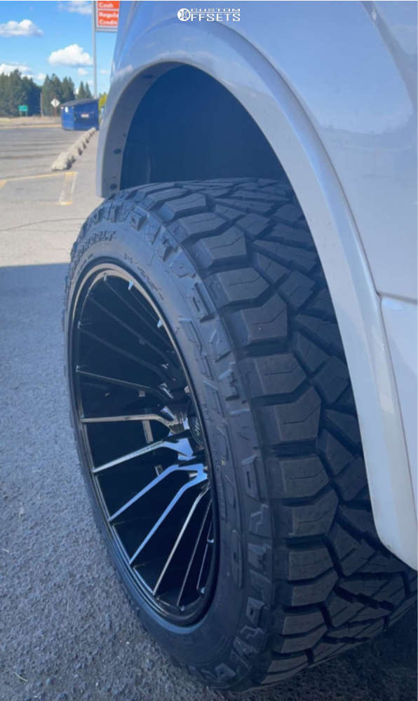 """2016 Ford F-150 Super Aggressive 3""""-5"""" on 22x12 -44 offset Moto Metal Mo807 and 33""""x12.5"""" Nitto Ridge Grapplers on Air Suspension - Custom Offsets Gallery"""
