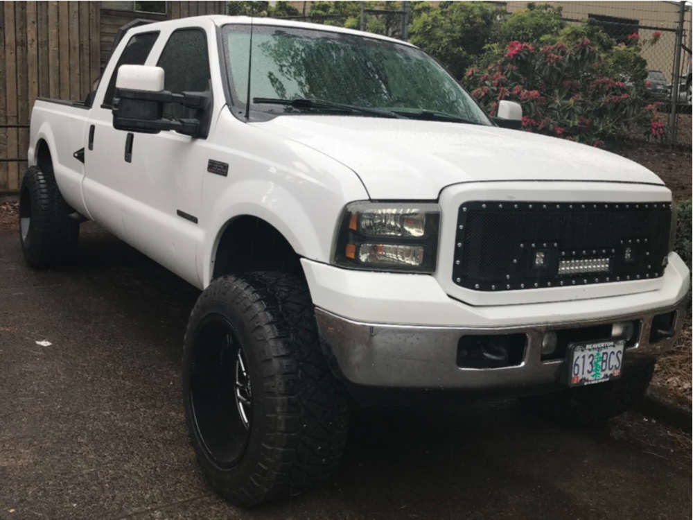 """2002 Ford E-350 Super Duty Nearly Flush on 22x13 6 offset Hostile Other and 37""""x13.5"""" Nitto Motivo on Leveling Kit - Custom Offsets Gallery"""